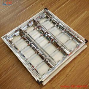 Máng Công Nghiệp Inox 600×600 Lắp Âm Lic