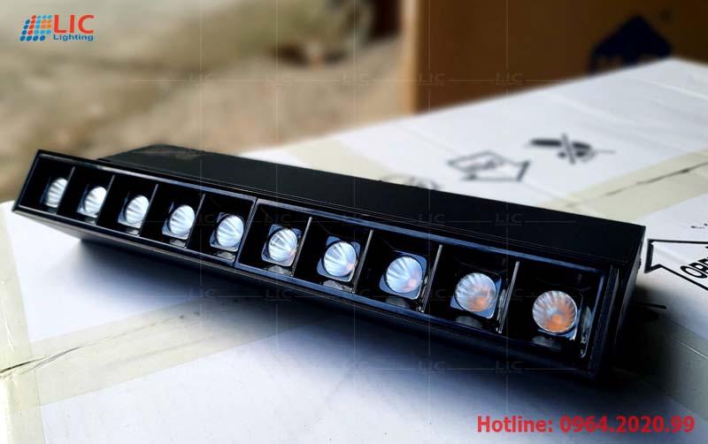 Lắp đặt bộ đèn chùm hiện đại cho nhà bác Mai